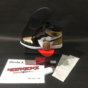 🔥👟 GOLD TOE 1s size 11.5